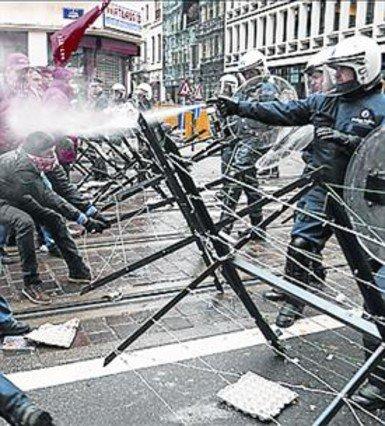 Disturbios en Bruselas, este lunes.