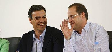 """El """"buen"""" resultado lleva al PSOE a cerrar filas con Pedro S�nchez"""