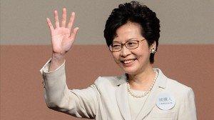 zentauroepp37825544 hong kong s new chief executive carrie lam waves after she w170326112338