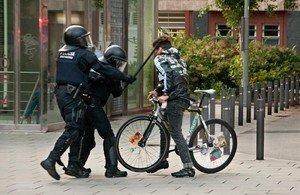 jjubierre39314641 barcelona 27 5 2014 agresi n que recibi iv n el 27 de mayo 170715172141