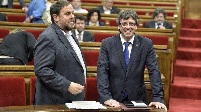 Arrimadas i Puigdemont s'embranquen amb la corrupció i la guerra bruta