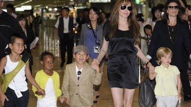 L'FBI interroga durant 3 hores Angelina Jolie i els seus fills