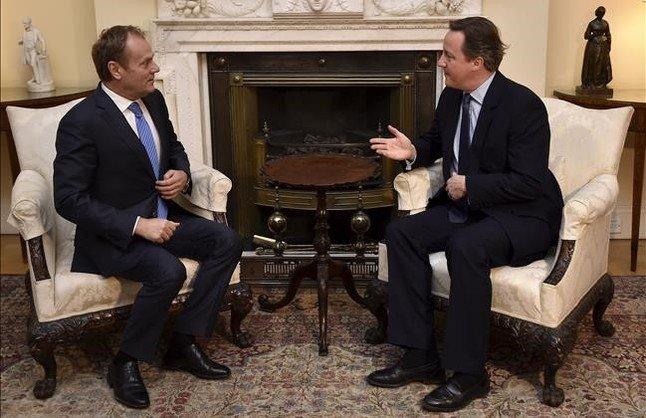 Cameron trata contrarreloj de cerrar un acuerdo con la UE