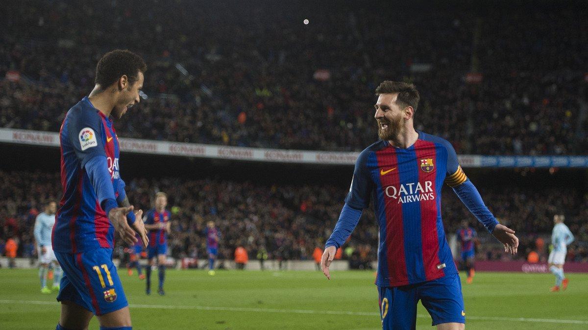 La celebración en el Camp Nou de Adrià Vilanova.