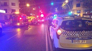 Un cotxe sense conductor fereix de gravetat un home a Madrid
