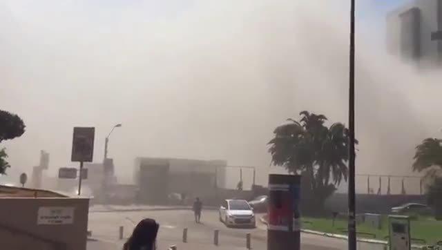 Diversos desapareguts en l'enfonsament d'un edifici en obres a Tel Aviv