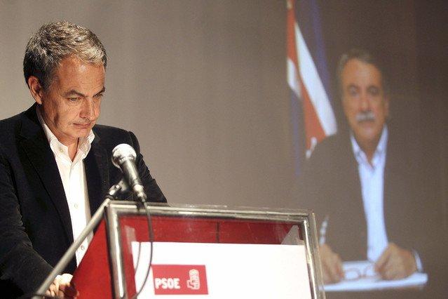 """Zapatero: """"Quien pretenda desunir este país se encontrará con la soledad"""""""