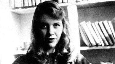 De Safo de Lesbos a Sylvia Plath: la hermandad de las poetas suicidas