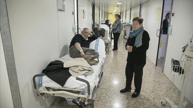 Área de urgencias en el Hospital de Bellvitge, el pasado invierno.