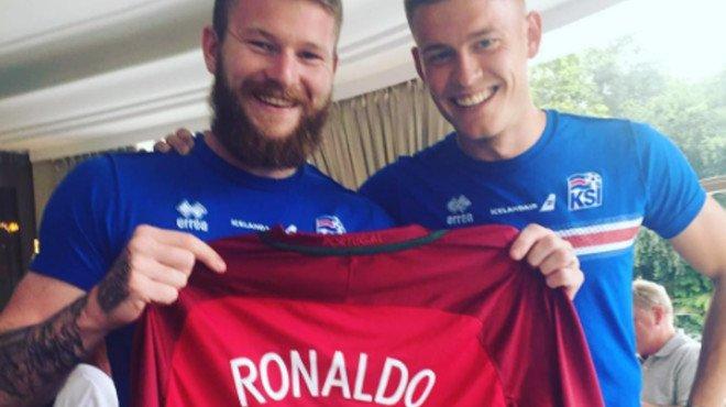 El capità d'Islàndia ja té la samarreta de Cristiano Ronaldo