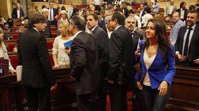 """Arrimadas, a Puigdemont: """"Molta gent morirà esperant la seva Arcàdia feliç"""""""