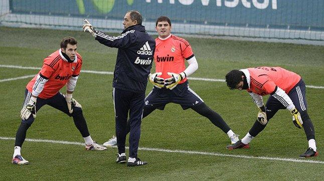 La afición se vuelca con Casillas en la vuelta al trabajo tras el parón navideño