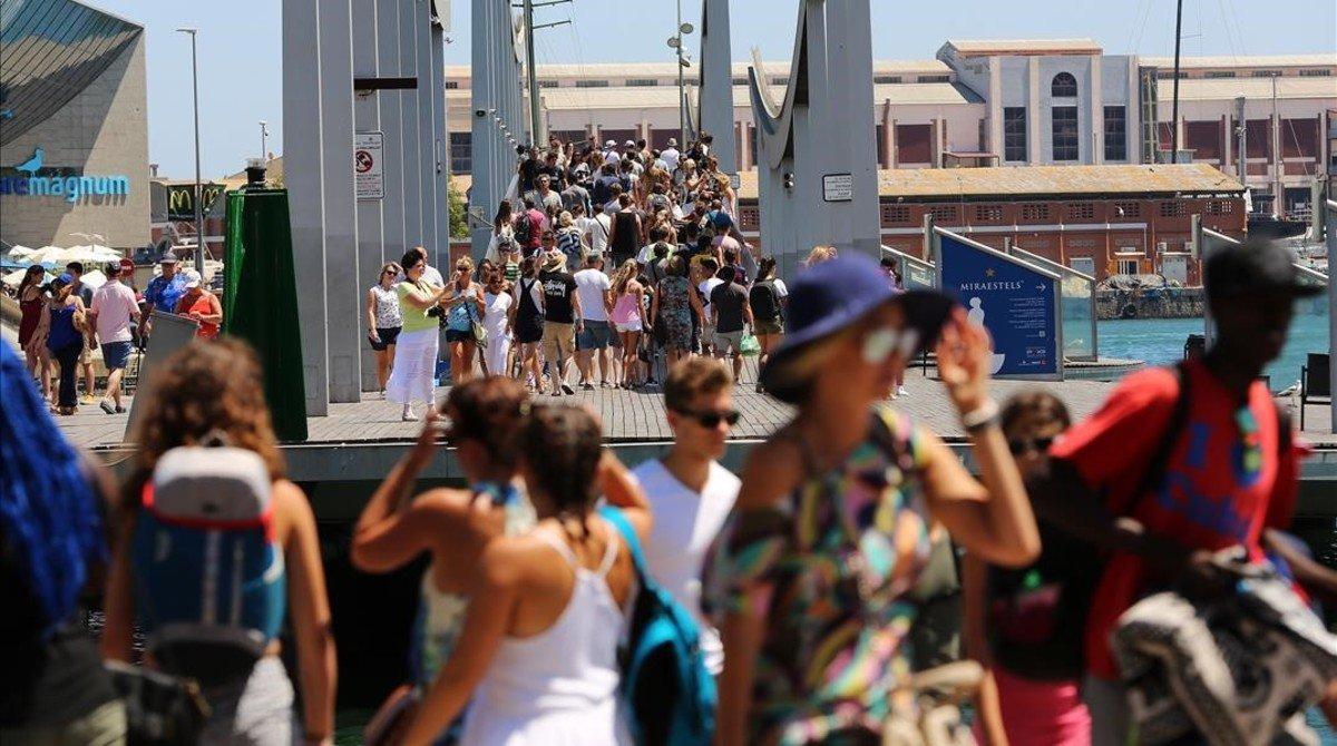 Barcelona dedica 900.000 euros de la tasa turística a proyectos de reforma