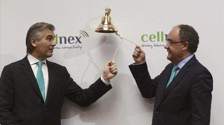 El president d'Abertis, Francisco Reynés (esquerra), i el conseller delegat de Cellnex, Tobías Martínez, durant l'estrena en borsa de la filial d'Abertis.