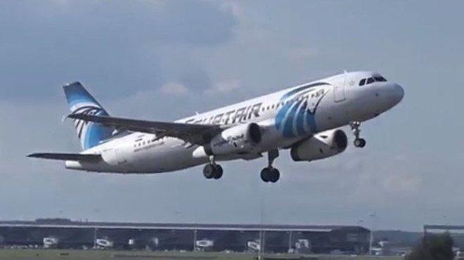 Un avió d'Egyptair aterra a l'Uzbekistan per la sospita d'una bomba a bord