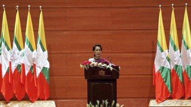 Suu Kyi expresa al fin su preocupación por el éxodo de rohinyas