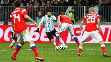 L'Argentina guanya Rússia amb un Messi inspirat a ràfegues