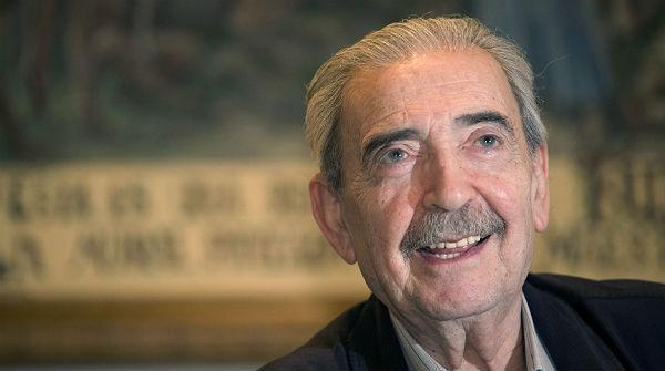Muere el poeta argentino Juan Gelman