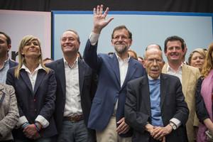 Rajoy, junto a Alberto Fabra, en el mitin de Alicante.