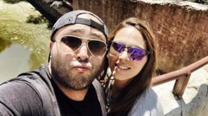 Kiko Rivera y su pareja, Irene Rosales, en una imagen que el DJ ha colgado en su cuenta de Instagram.