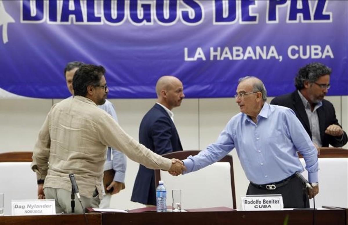 El Govern i les FARC revelen el protocol del cessament definitiu del foc