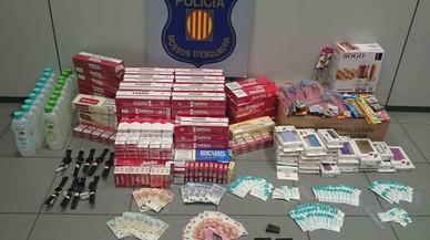 Dos detinguts a la Mina per vendre droga en un quiosc de txutxes