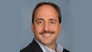 Larry Dominique, ex ejecutivo de TrueCar y Nissan
