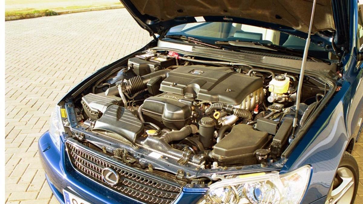 Qué hacer si se sobrecalienta el motor del coche