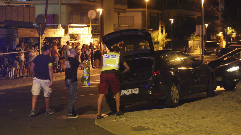 Abatidos cuatro terroristas en Cambrils tras otro atropello (ES)