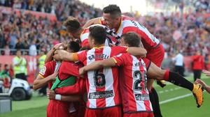 Los jugadores del Girona celebrando un gol ante el Real Madrid