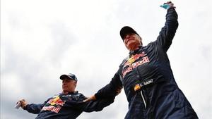 Sainz y Cruz celebran la victoria al final de la especial