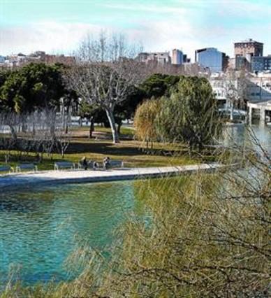 El parque cuyo lago custodia un drag�n