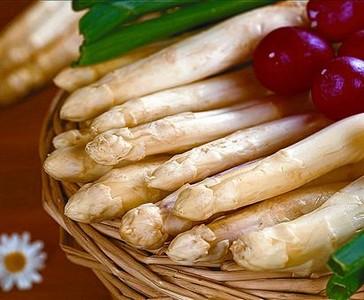 Los esp�rragos son diur�ticos, bajos en calor�as y de sabor delicado.