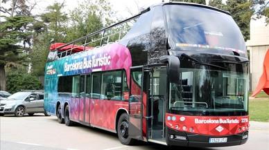 Barcelona compró 10 autobuses turísticos que se inundan y que no pueden ir al Maremàgnum