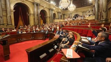 El Parlament repta el TC amb la desconnexió