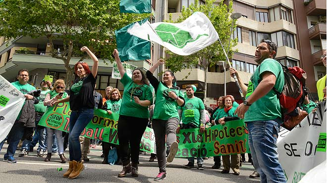 Puigdemont convoca un front comú per la llei de pobresa energètica