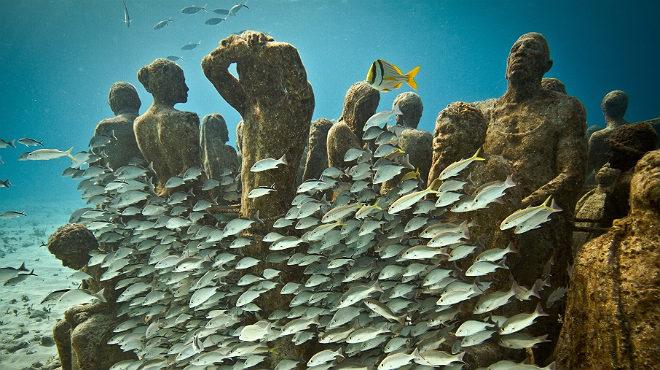 Lanzarote ha inagurado el primer museo submarino de Europa, con esculturas de Jason deCaires.