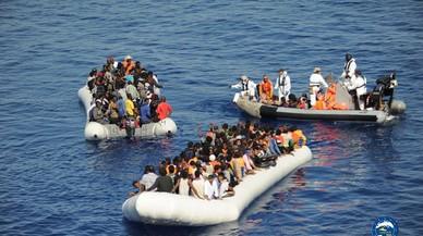 Hallados muertos 23 inmigrantes en aguas del Mediterráneo central