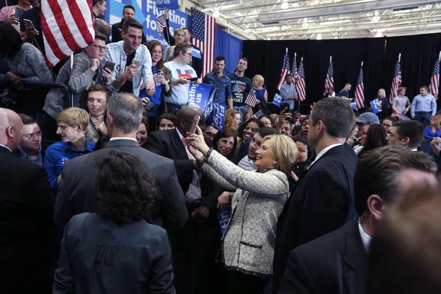 Hillary barre a Sanders en Carolina del Sur