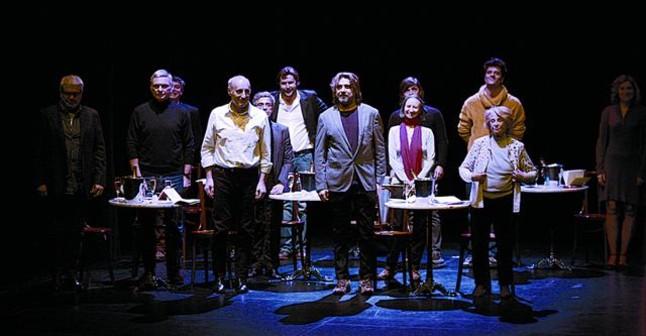 Cien años de amor al teatro