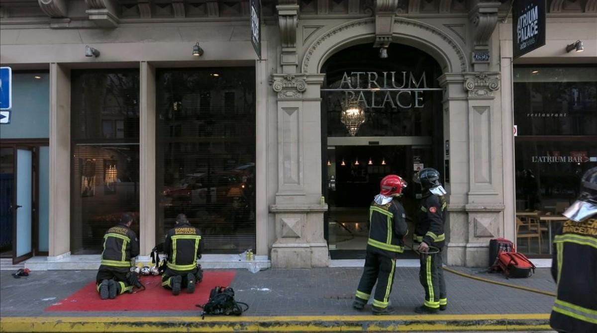 Un incendi en una sauna obliga a desallotjar un hotel a la - Saunas en barcelona ...