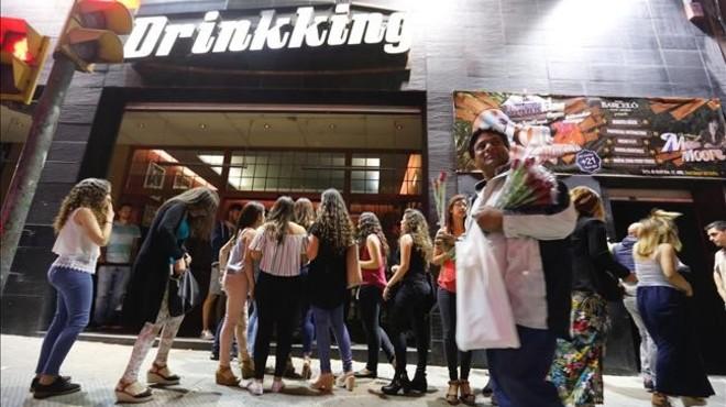 Discotecas de la Zona Hermética desafían el veto municipal en Sabadell