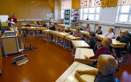 Atents 8 Alumnes de tercer curs de primària en una escola de Vaasa, a la costa oest finlandesa.