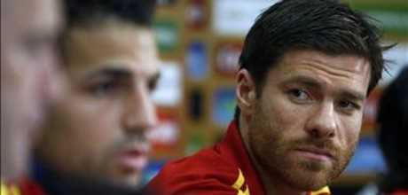 Xabi Alonso en la comparecencia ante la prensa.