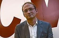 Herrera: «Mas pretende tapar la corrupción bajo la 'senyera'»