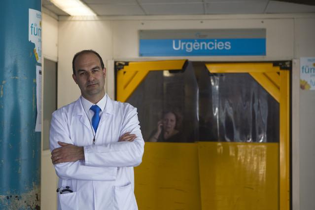 El doctor Xavier Jiménez en las Urgencias del Hospital del Vall d'Hebrón