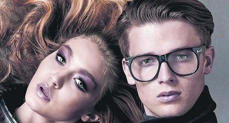Patrick, fill d'Arnold Schwarzenegger, triomfa com a imatge d'una nova campanya internacional d'ulleres amb la 'top' Gigi Hadid.