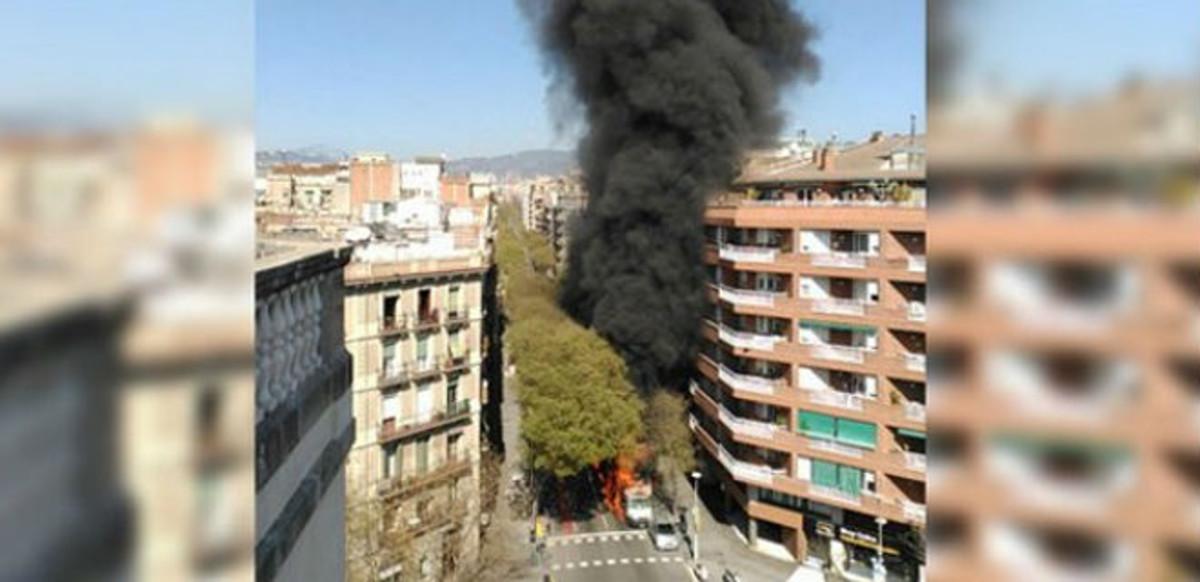Incendio de un cami n en el barrio de sant antoni de barcelona - Calle borrell barcelona ...