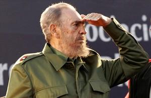 Fidel Castro, durante un desfile en julio del 2006.