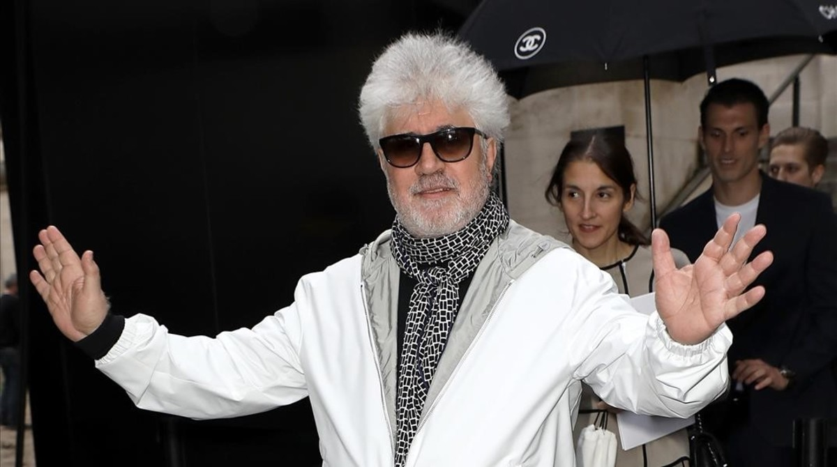 zentauroepp38287053 paris france may 03 pedro almodovar arrives at the chan170504174413